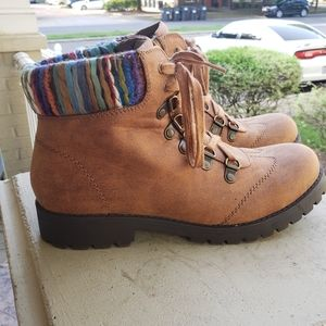 White Mountain hiking/casual boots